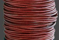 Läderrem 1,5 mm matt röd. Pris per meter