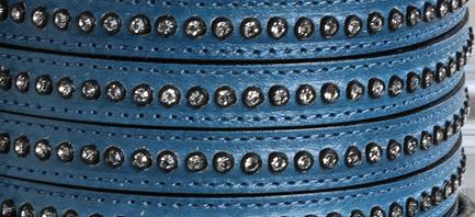 Läderrem 10 mm platt med kristaller, indigoblå. Säljs per 20 cm