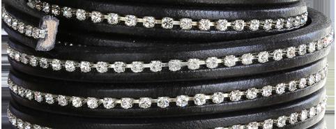 Läderrem 10x6 mm med kristaller. Regaliz. Pris per 20 cm.