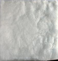 Keramisk filt, 18x18 cm, ca 10 mm tjock. T.ex som stöd vid bränning av Formsilver. Kan användas istället för Vermiculit