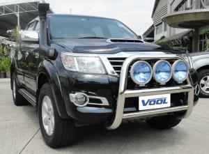 Toyota Hilux 2012 -MODELL STOR 76MM- Rostfri frontbåge med fästen för extraljus