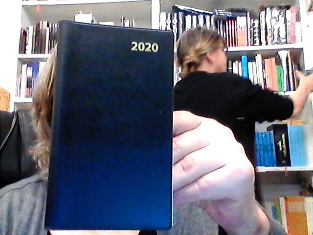 FICKKALENDER KYRKOÅRET 2020 MÖRKBLÅ VINYL