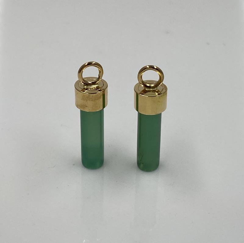 Hängen av guld 18K och grön agat.