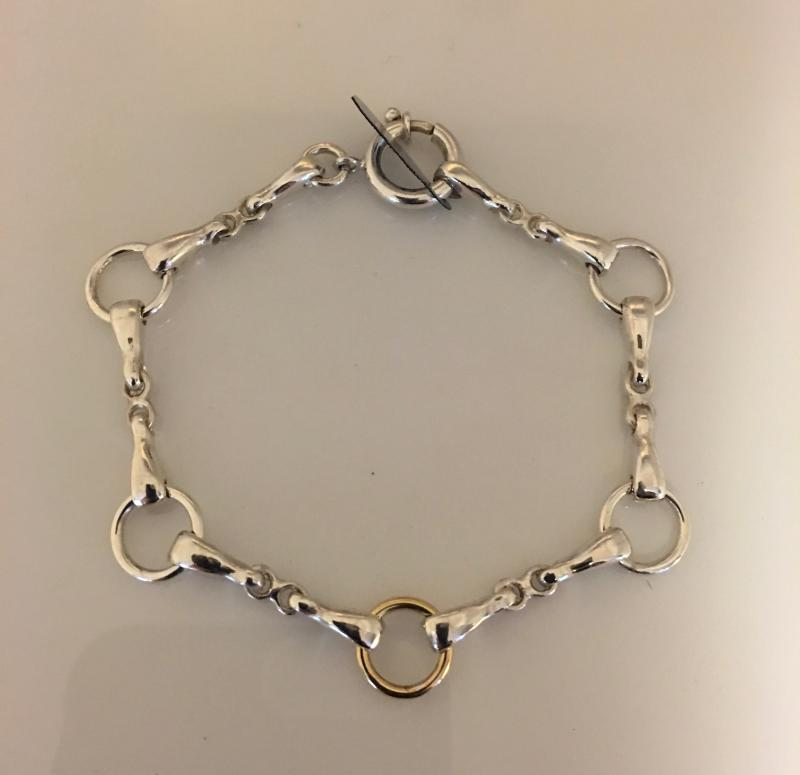 Armband i silver med en ögla i guld 18k