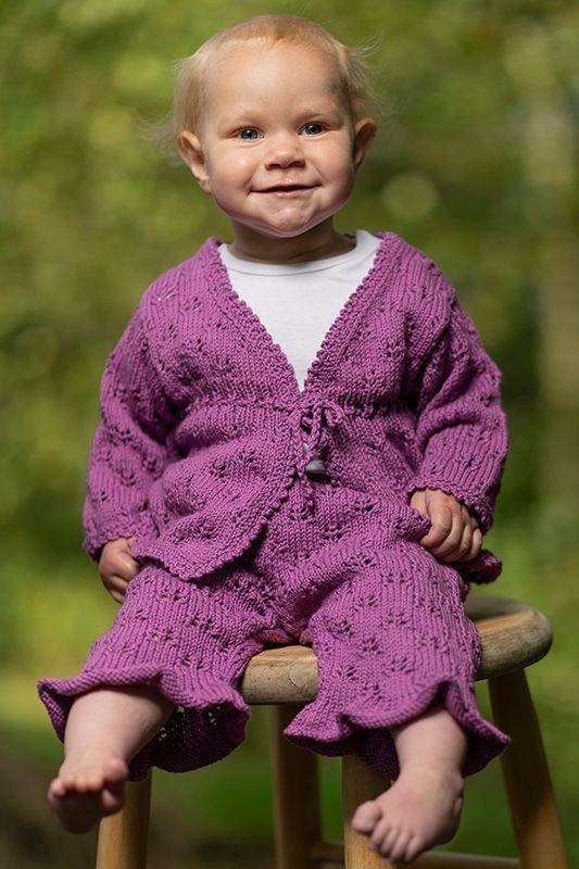 Babykofta, linne och mamelucker