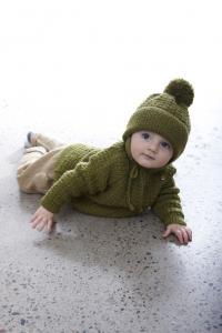 Babytröja, mössa, halsduk och tumvantar