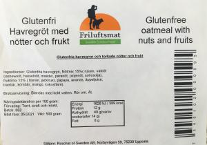 Oatmeal with nuts and fruits - gluten free
