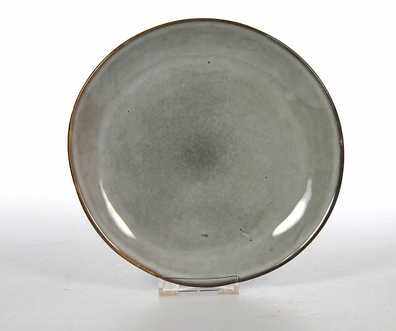Grey Assiett