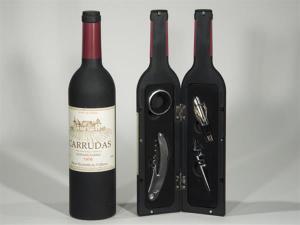 Vinflaska med tillbehör