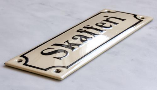 Enamel Door Sign - Skafferi White/Black