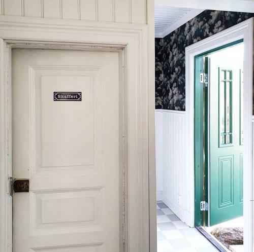 Enamel Door Sign - Skafferi Blue/White