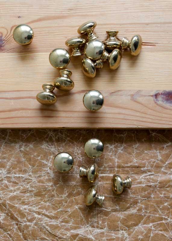 Knopp - Sekelskifte mässing - sekelskiftesstil - gammaldags inredning - klassisk stil - retro