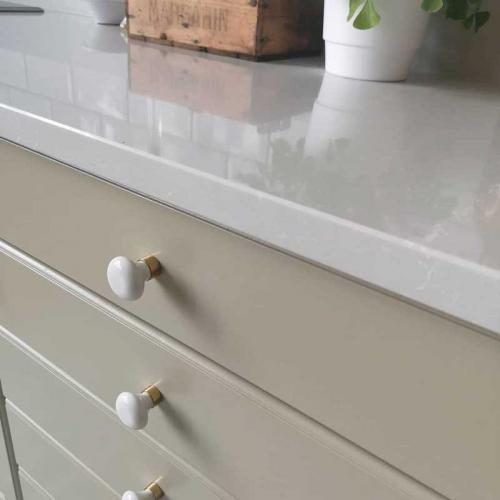 Knob - Porcelain white/brass