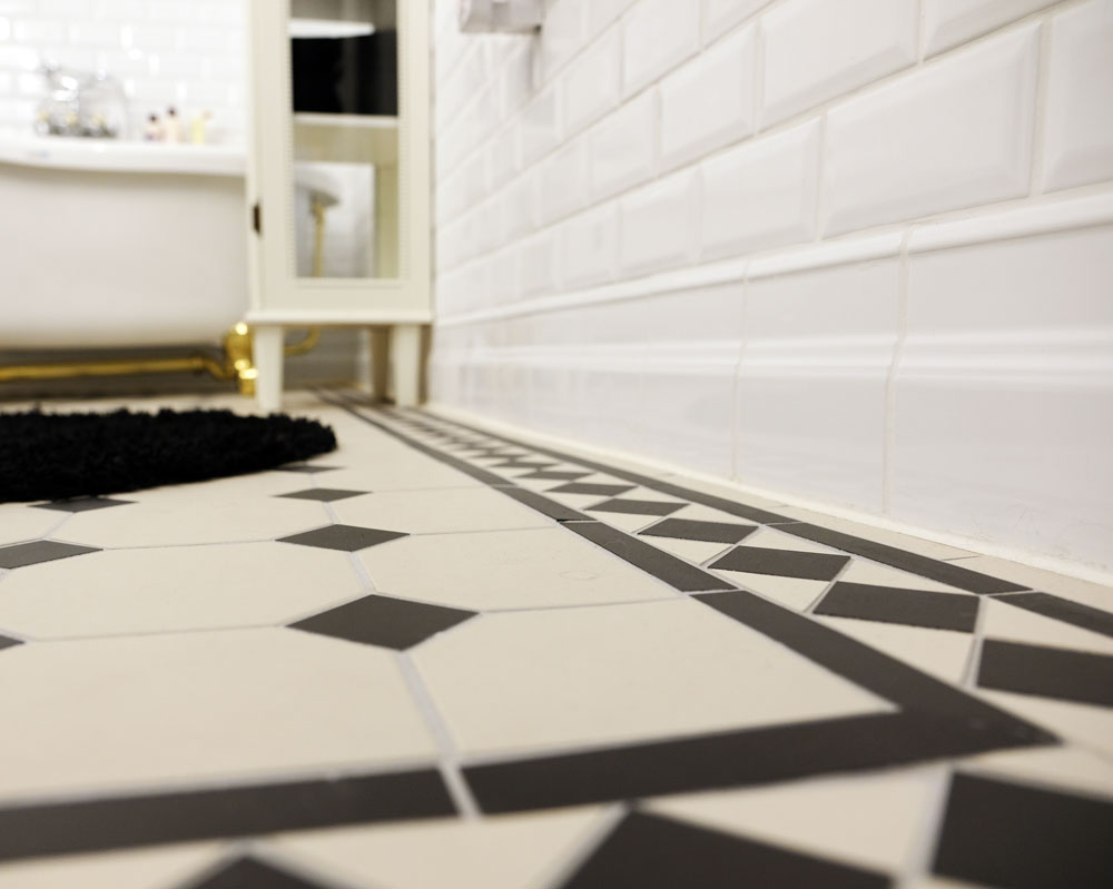 Clic Wall And Floor Tiles In Black White Trim