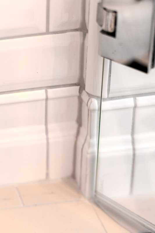 Kakel Victoria - Hörnbit till golvsockel vit, blank - gammaldags inredning - klassisk stil - retro - sekelskifte