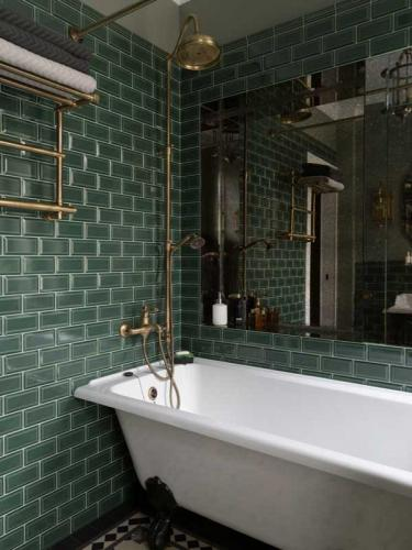 Wall tile Bristol - 7,5 x 15 cm dark green,