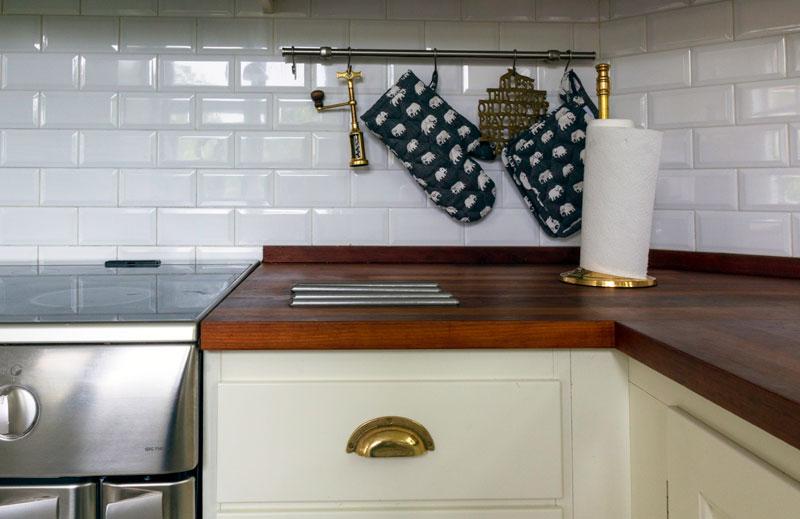 Hushållspappershållare - Brighton mässing - gammaldags inredning - klassisk stil - retro - sekelskifte
