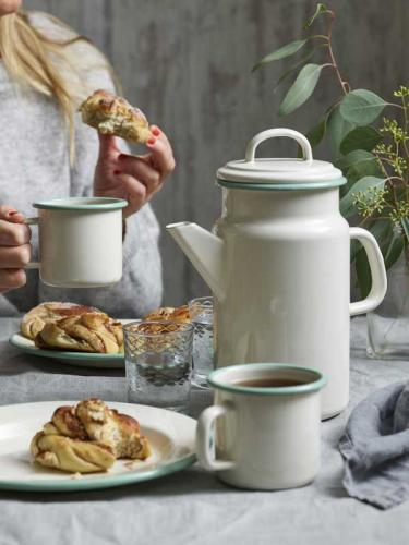 Kockums Teapot - Enamel creme/green