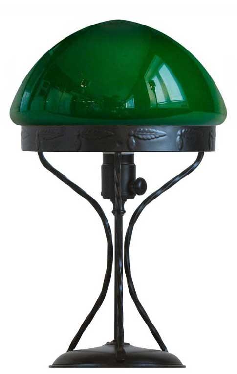 Bordslampa - Strindberg svart smidesjärn med grön skärm