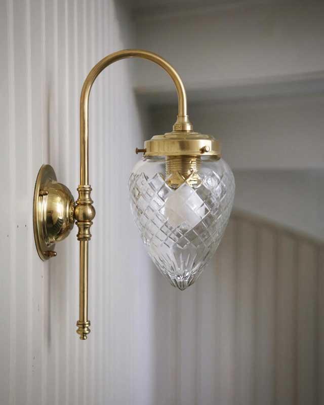 Vägglampa - Blomberg 80 droppe klarglas - sekelskiftesstil - gammaldags inredning - klassisk stil - retro