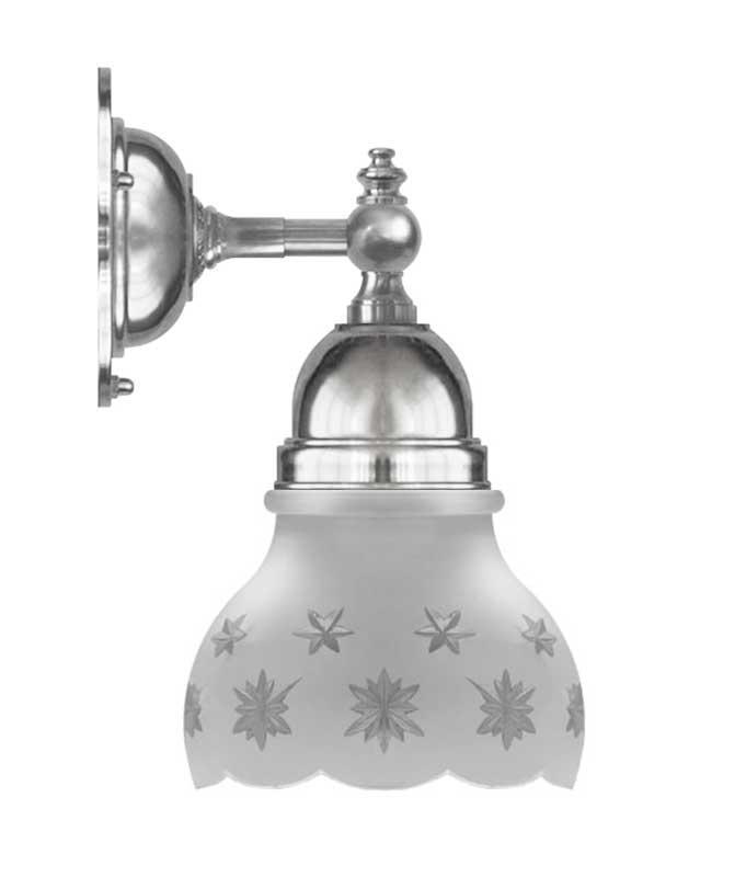 Vägglampa - Adelborg förnicklad, slipat mattglas - sekelskiftesstil - gammaldags inredning - klassisk stil - retro