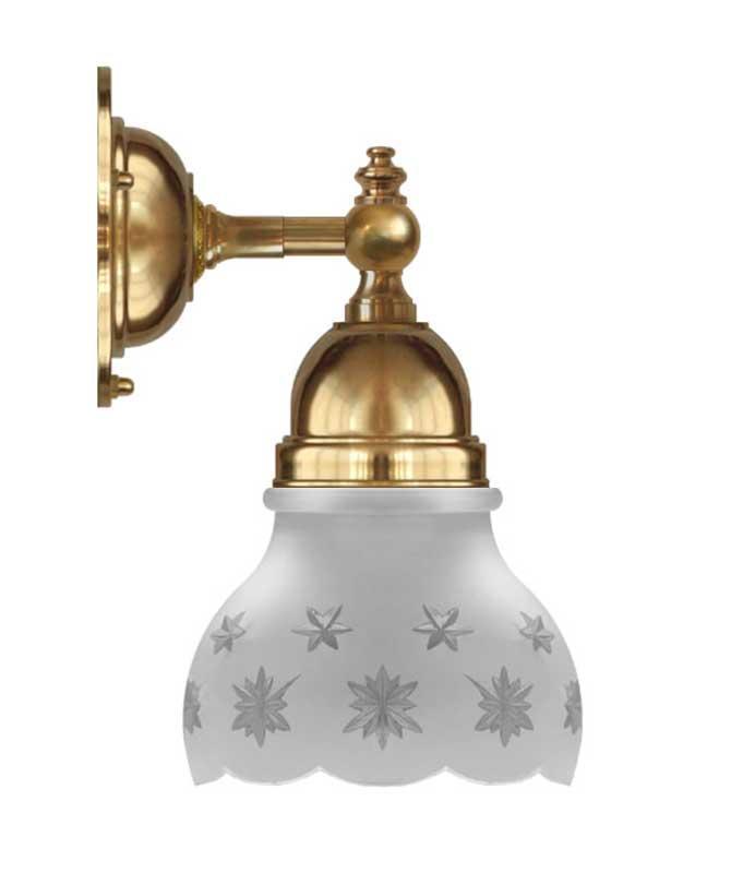 Vägglampa - Adelborg mässing med slipat mattglas - sekelskiftesstil - gammaldags inredning - klassisk stil - retro