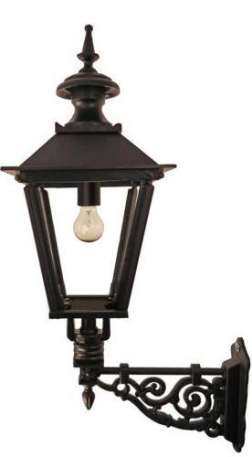 Klassisk utomhuslampa - Fasadlykta Solvik M4