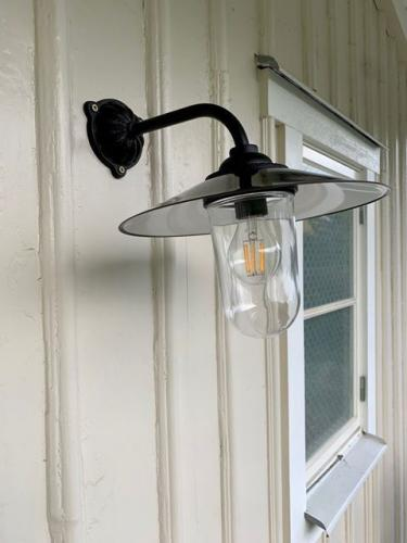 Exterior Lamp - Stable lamp 90° short, black shade