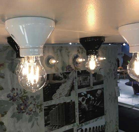 Fotlamphållare 100 mm rak - Svart och vit porslin