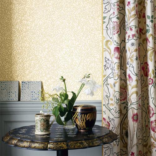 William Morris & Co. Wallpaper - Lily Leaf Gold