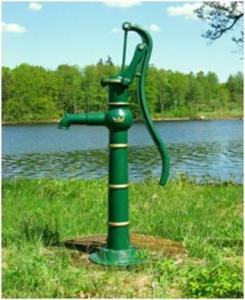 Garden pump - The Crown - old style - old fashioned style - oldschool - retro