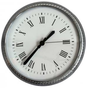 Clock in chrome - Old style wall clock