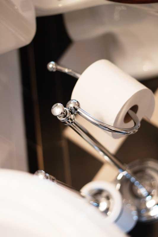 Gulvstående toalettbørste & toalettpapirholder Brighton - Krom - arvestykke - gammeldags dekor - klassisk stil - retro