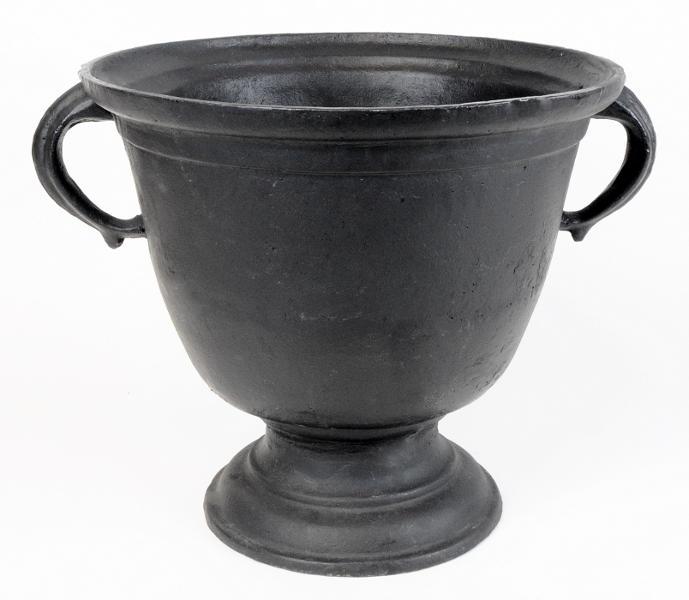 Cast Iron Urn - Gustav