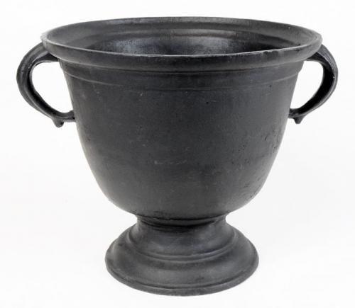 Cast Iron Urn - Gustav