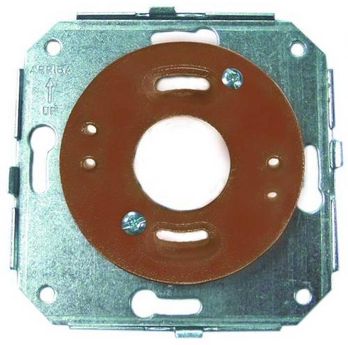 Adapter for surface mounted frames, with socket plate