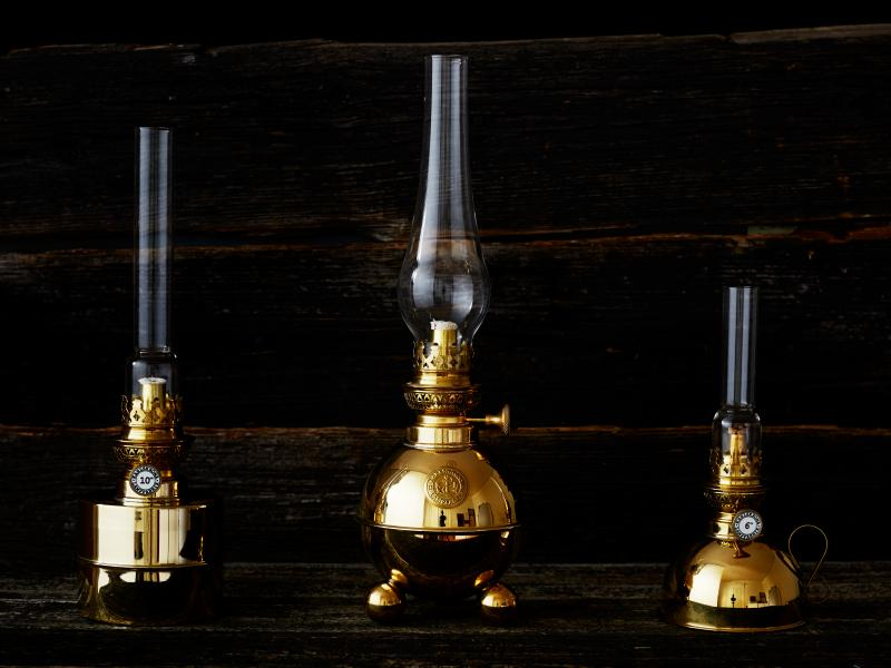 Beautiful kerosene lamps in brass - old style - vintage interior - old fashioned style - classic interior