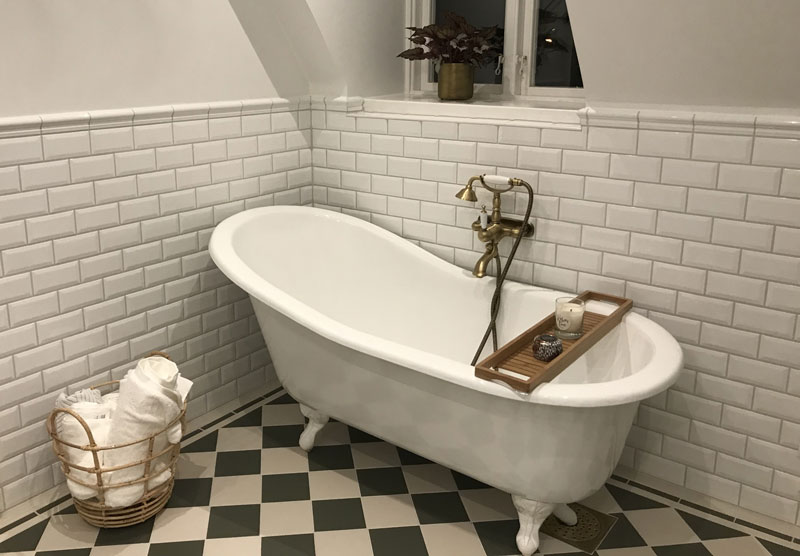 Bathroom inspiration Victorian floor tiles - 15 x 15 cm green/white