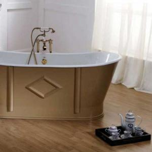 Old-fashioned bathtub of cast iron or copper - Sekelskifte