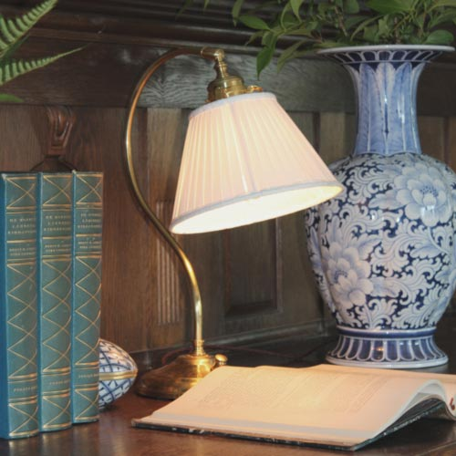 Old-fashioned table lamps - old style - vintage style - classic interior - retro