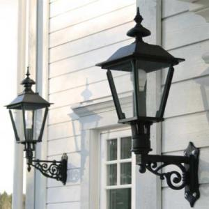 Outdoor lighting in older style - Sekelskifte