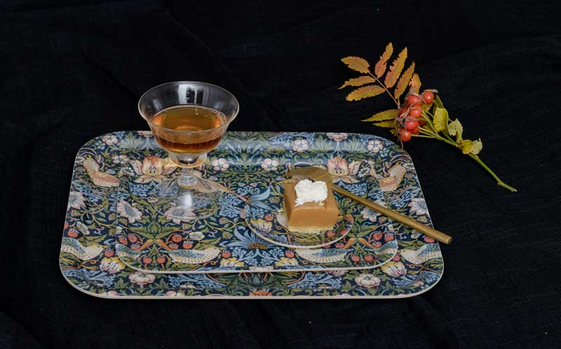 Tray in pattern from William Morris, Strawberry Thief