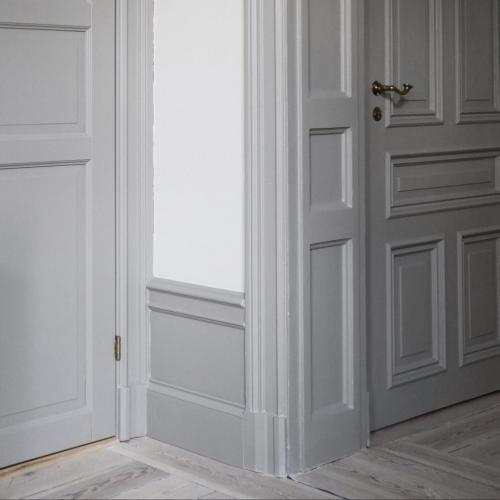 Inspiration - Vackert listverk med tredelad golvsockel