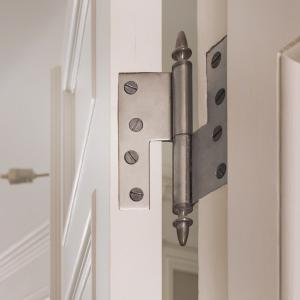 Facts & Info - Period style hinges