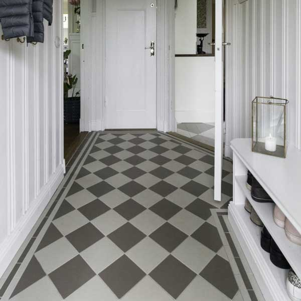 Inspiration - Gray checkered floor