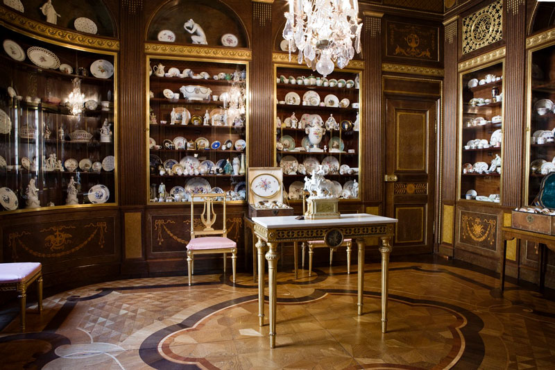 Tips & Facts - The porcelain room in Hallwyl's palace - old style - vintage style - classic interior - retro