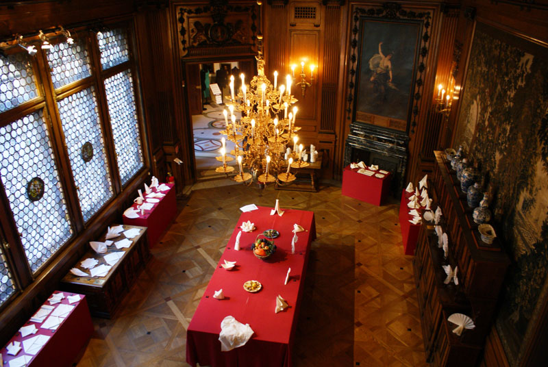 Tips & Facts - The dining room in Hallwyl's palace - old style - vintage style - classic interior - retro