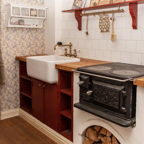 Kitchen Inspiration - Traditional kitchen with wood stove - old style - vintage interior - retro - classic interior