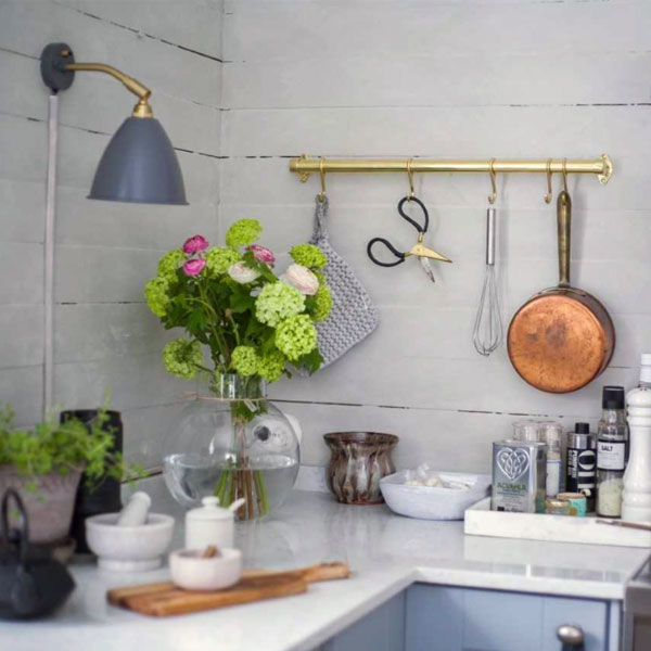 Build your own kitchen rail with brass pipes - old style - vintage interior - old fashioned style - classic interior