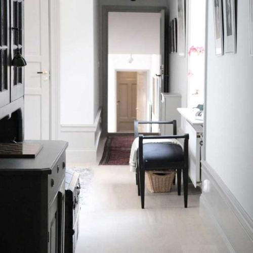 Inspiration - Beautiful moldings with three-piece floor trim